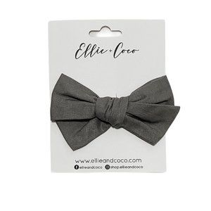 NWT! Ellie & Coco Grey Clip Oversized Bow